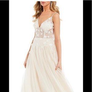 Gianni Bini ivory long dress prom, pageant sz3